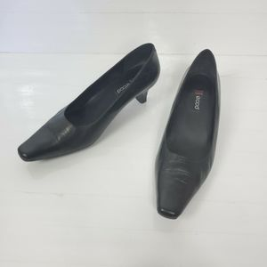 Ecco Black Leather Toe Pumps Heels Sz 39